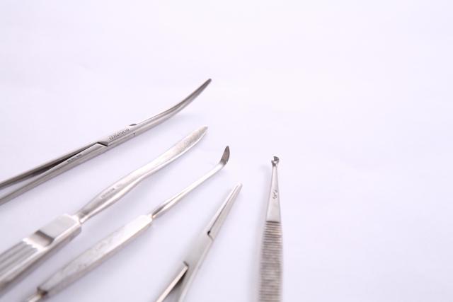 一般的な包茎手術の施術内容と料金相場